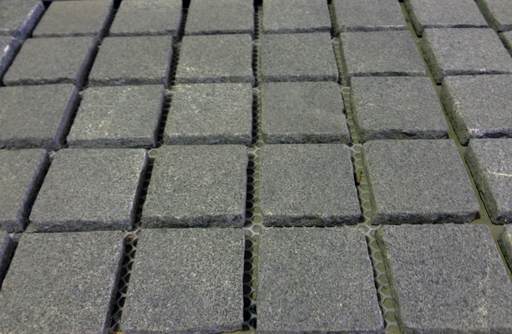 Basalt cobblestone pavers 9 flamed cobblestones for Bluestone pricing