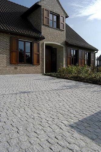 Granite Cobblestone Pavers : Basalt cobblestone pavers flamed cobblestones
