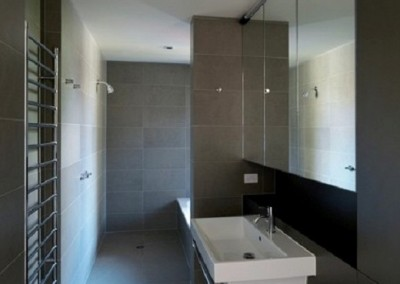 honed-bluestone-bathroom-floor-tiles-and-wall-tiles